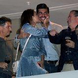 Paula Echevarría dando un beso a Miguel Torres en la Semana Santa 2019 de Málaga