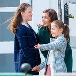 Mary de Dinamarca con sus hijas Isabel y Josefina en el 79 cumpleaños de Margarita de Dinamarca