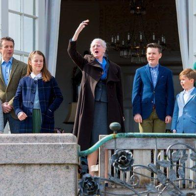 Margarita de Dinamarca celebra su 79 cumpleaños con Federico, Mary, Christian, Isabel, Vicente y Josefina de Dinamarca