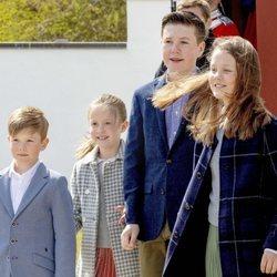 Christian, Isabel, Vicente y Josefina en el 79 cumpleaños de Margarita de Dinamarca