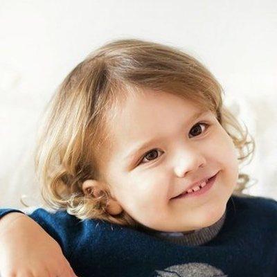 Alejandro de Suecia con 3 años