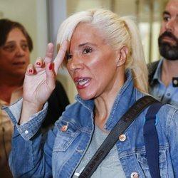Loli Álvarez en el aeropuerto rumbo a 'Supervivientes 2019'