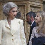 La Reina Sofía y la Infanta Sofía hablan antes de la Misa de Pascua 2019