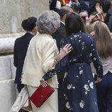 La Reina Letizia y la Reina Sofía, cómplices tras la Misa de Pascua 2019