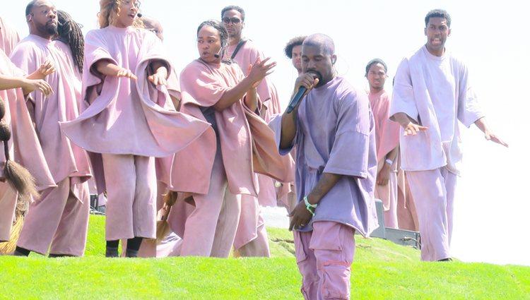 Kanye West oficiando el 'Sunday Service' en el festival de Coachella 2019