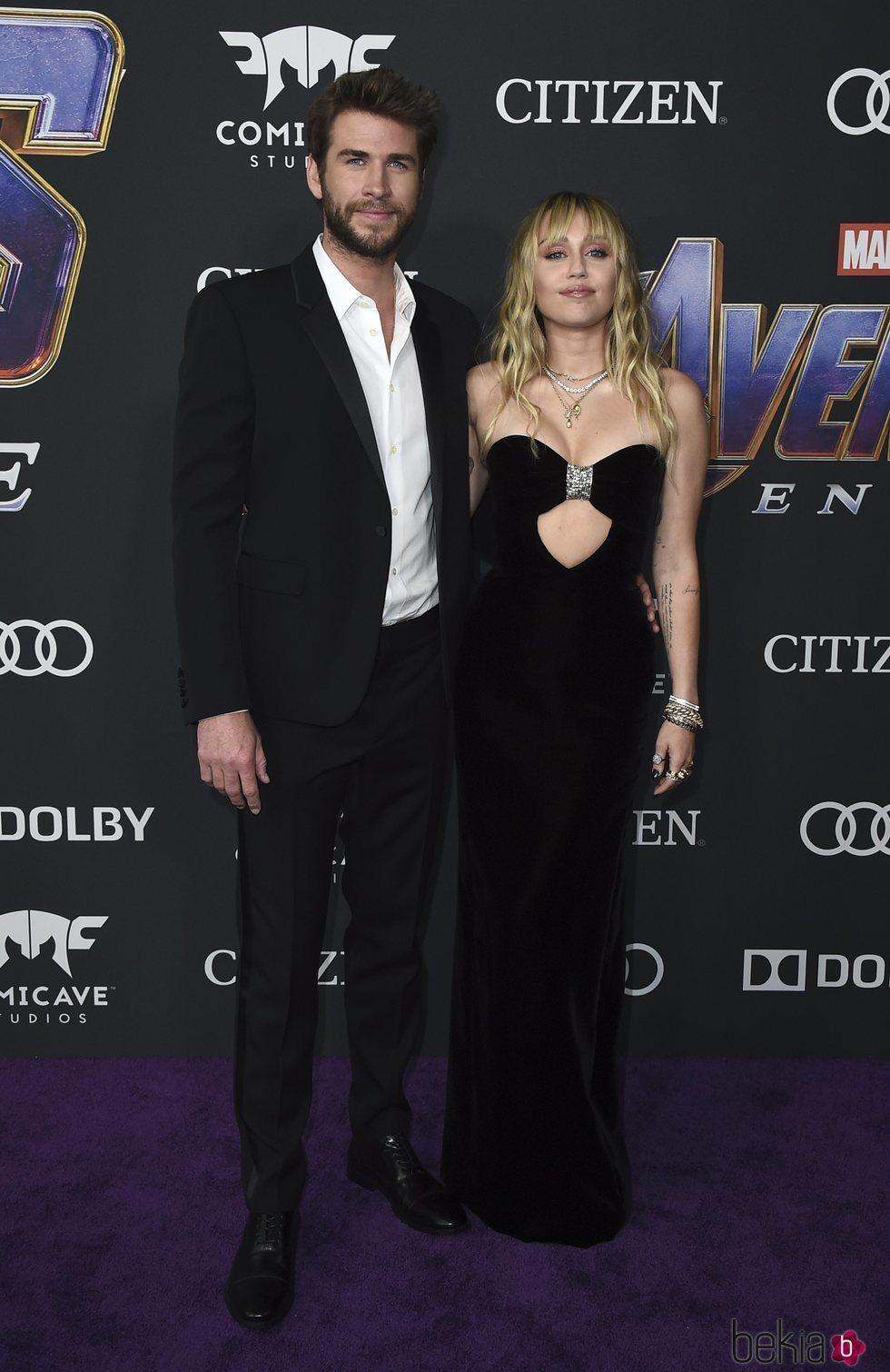 Miley Cyrus y Liam Hemsworth en la premiere de 'Vengadores: Endgame' en Los Ángeles