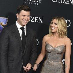 Colin Jost y Scarlett Johansson en la premiere de 'Vengadores: Endgame'