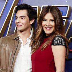Ivonne Reyes con su hijo Alejandro en la premiere de 'Los Vengadores: Endgame' en Madrid
