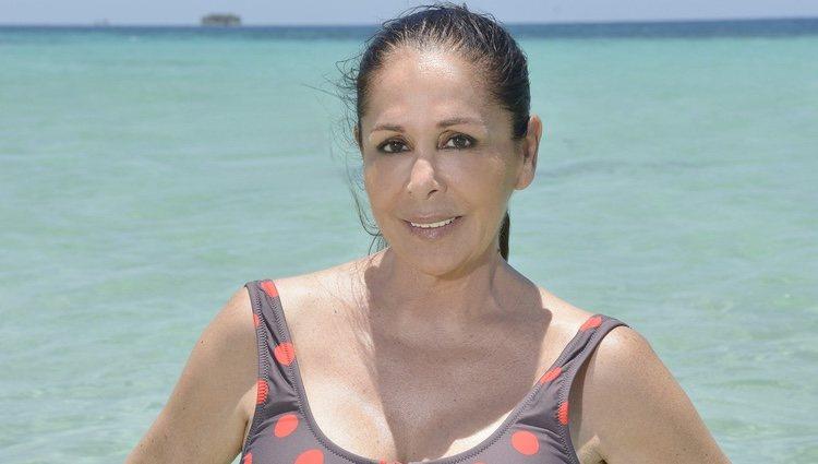 Posado oficial de Isabel Pantoja en el mar para Supervivientes 2019