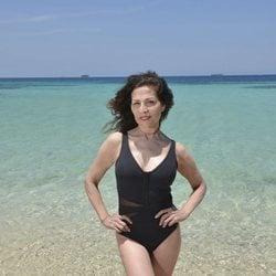 Posado oficial de Encarna Salazar en la playa para Supervivientes 2019