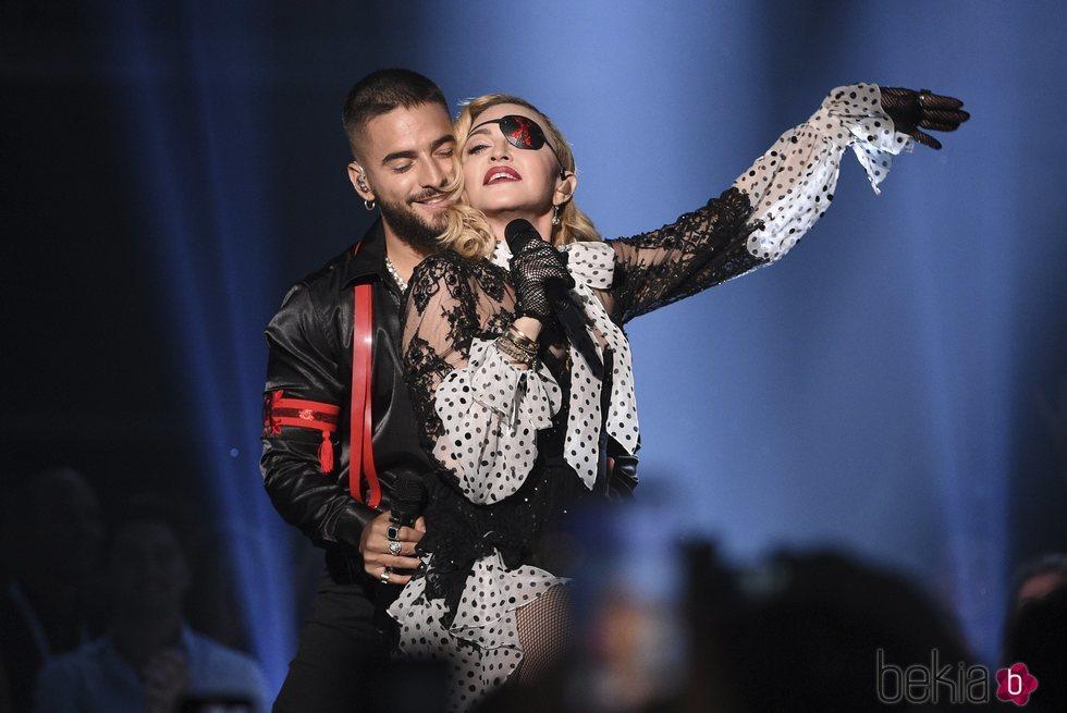 Maluma y Madonna actuando en los Billboard Music Awards 2019