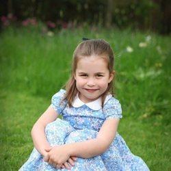 La Princesa Carlota en los jardines de Kensington Palace