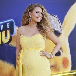 Blake Lively presumiendo de su tercer embarazo en el estreno de 'Detective Pikachu'