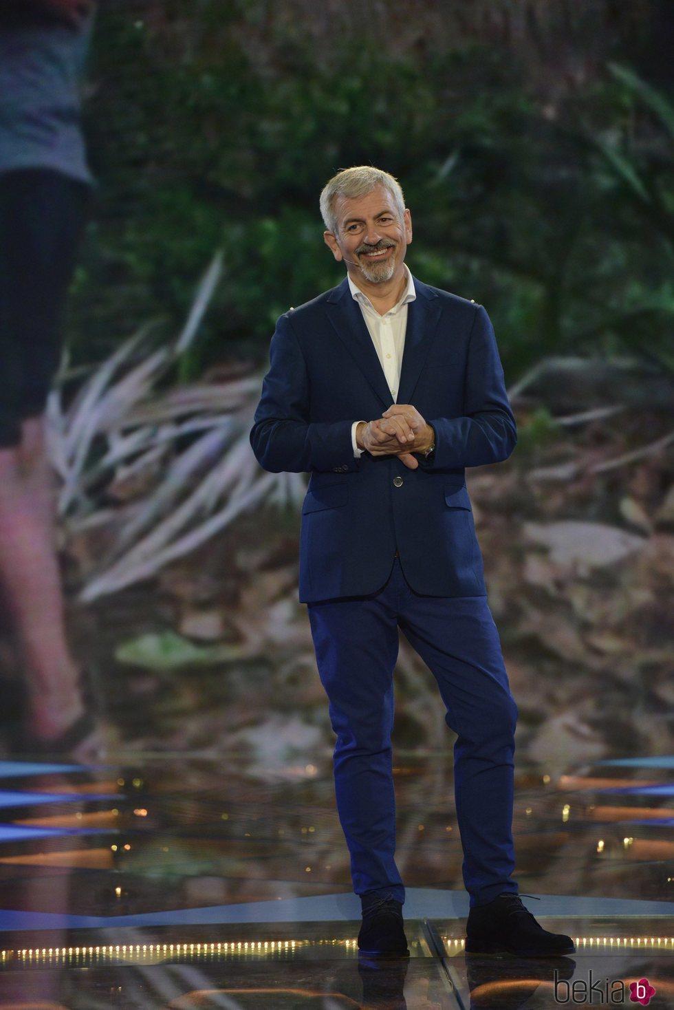 Carlos Sobera presentando la gala 1 de 'Supervivientes: Tierra de nadie'
