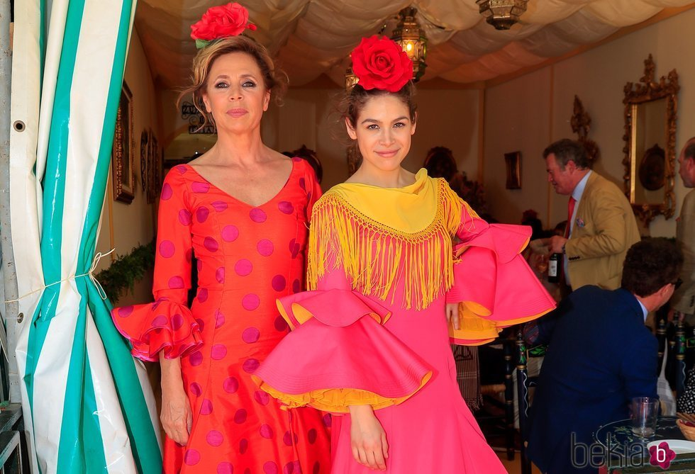 Ágatha Ruiz de la Prada y Cósima Ramirez en la primera jornada de la Feria de Abril 2019
