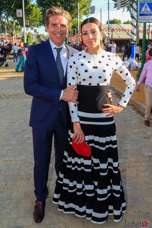 Manuel Díaz 'El Cordobés' y Virginia Troconis en la primera jornada de la Feria de Abril 2019