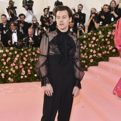 Harry Styles en la alfombra roja de la Gala MET 2019