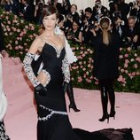 Bella Hadid en la alfombra roja de la Gala MET 2019