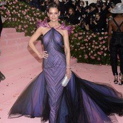 Katie Holmes en la alfombra roja de la Gala MET 2019