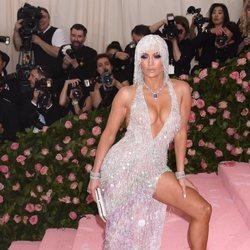 Jennifer Lopez en la alfombra roja de la Gala MET 2019