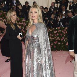 Kate Moss en la alfombra roja de la Gala MET 2019