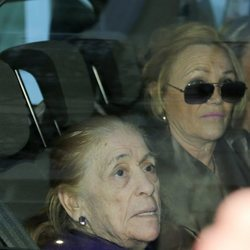 Doña Ana a la salida de un concierto de Isabel Pantoja en Aranjuez