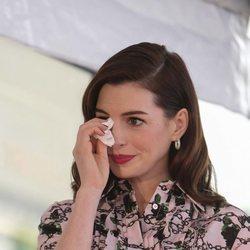 Anne Hathaway sobrecogida en la inauguración de su estrella en el Paseo de la Fama
