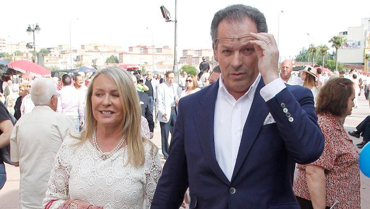 Marina Castaño y su marido Enrique Puras en la Feria de San Isidro 2014