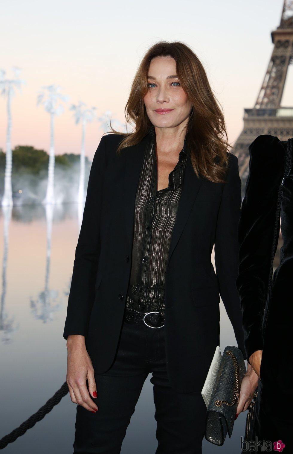 Carla Bruni en el evento de ChristianDior de a Fashion Week de París