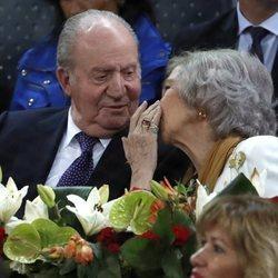 Don Juan Carlos y Doña Sofía muy cariñosos en el Mutua Madrid Open 2019