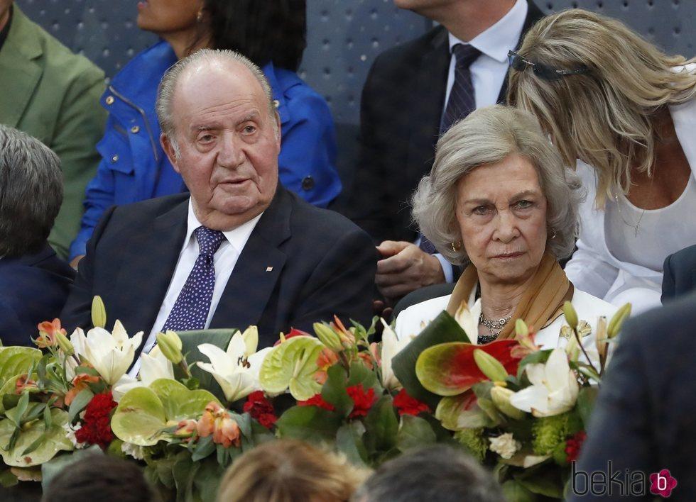 Don Juan Carlos y Doña Sofía presencian un partido en el Mutua Madrid Open 2019