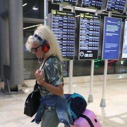 Loli Álvarez volviendo a España como la primera expulsada de 'Supervivientes 2019'