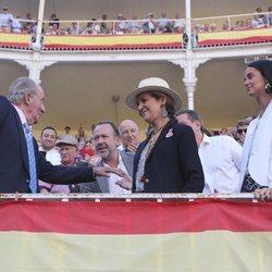 El Rey Juan Carlos I, la Infanta Elena y Victoria Federica en la corrida de San Isidro