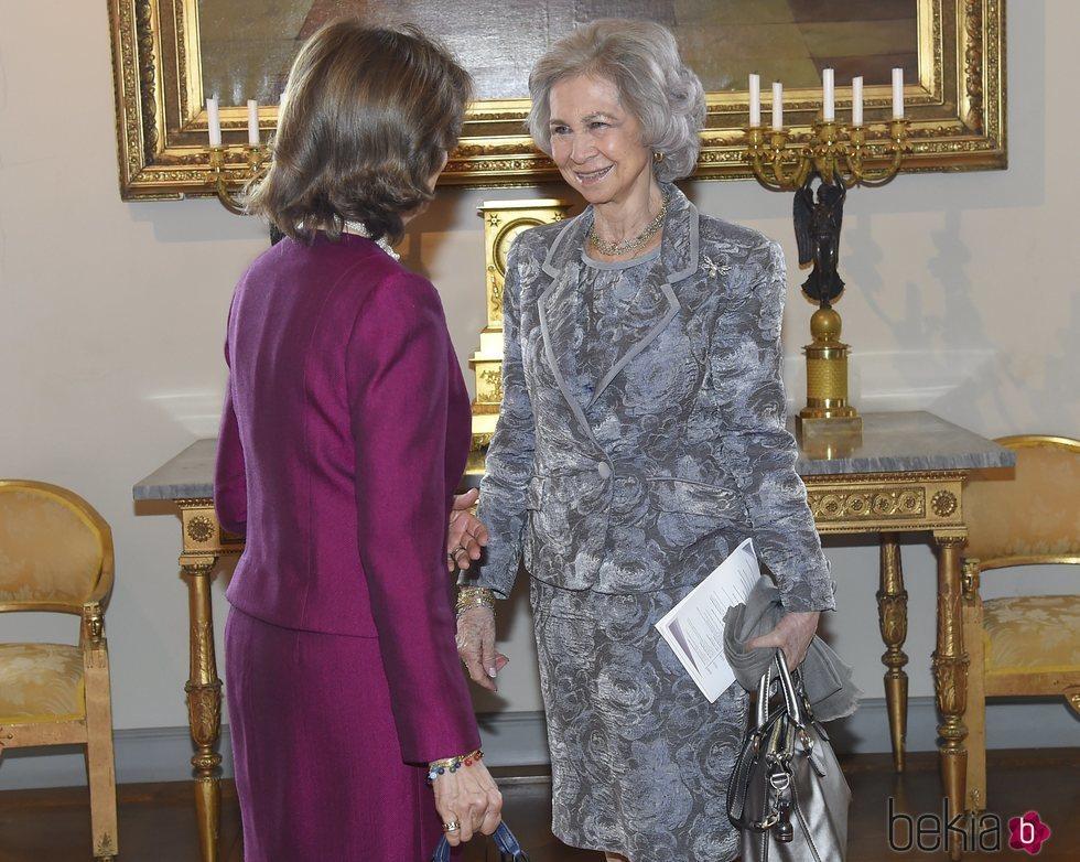 La Reina Sofía y Silvia de Suecia, muy cómplices en el 'Dementia Forum X'