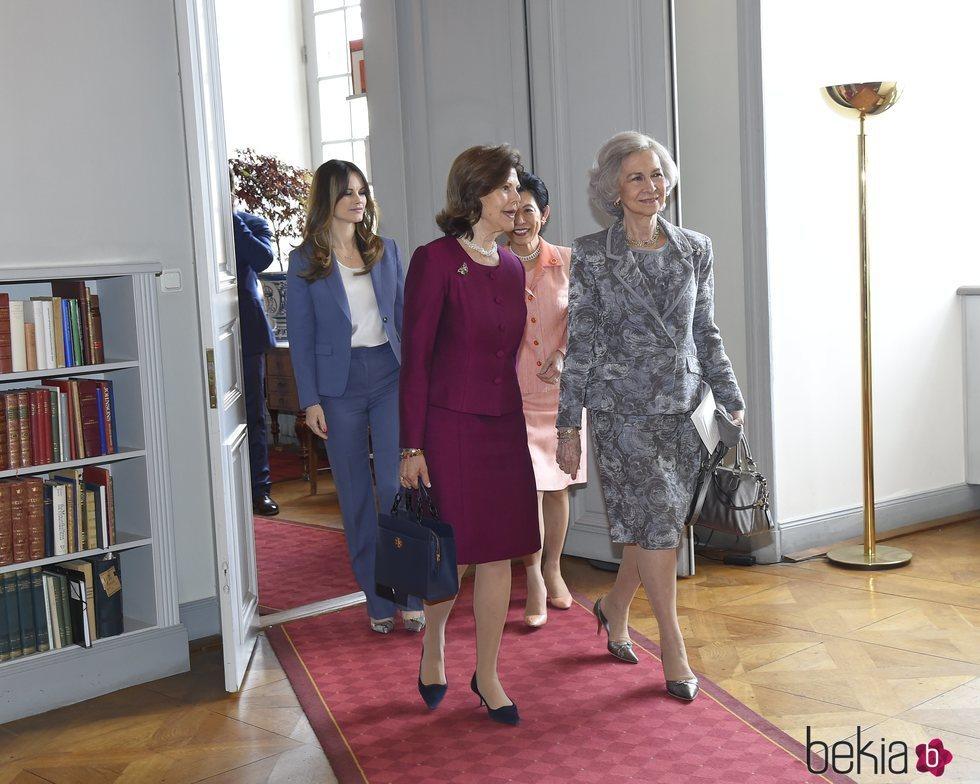 La Reina Sofía, Silvia de Suecia, Sofia Hellqvist e Hisako Takamado de Japón en el 'Dementia Forum X'