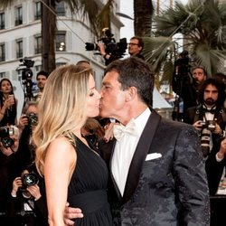 Antonio Banderas y Nicole Kimpel en el Festival de Cannes 2019