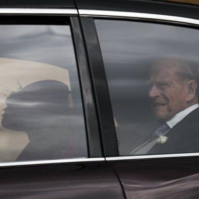 La Reina Isabel y el Príncipe Felipe en la boda de Lady Gabriella Windsor y Thomas Kingston