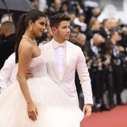 Nick Jonas y Priyanka Chopra en la alfombra roja del Festival de Cannes 2019