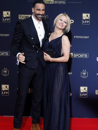 Pamela Anderson y su novio Adil Rami en la fiesta del fútbol de París 2019