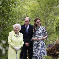 La Reina Isabel, el Príncipe Guillermo y Kate Middleton en Chelsea Flower Show 2019