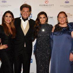 Maria Bravo, Philippe Seyres de Rothschild, Eva Longoria y Camille Seyres de Rothschild en la Global Gift Gala de Cannes