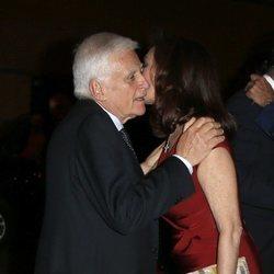 Ana Rosa Quintana y Paolo Vasile saludándose