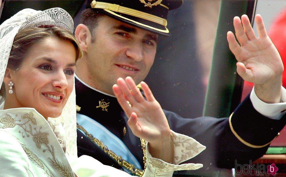 Primer plano de Don Felipe y Doña Letizia el día de su boda
