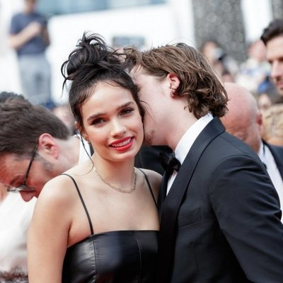 Brooklyn Beckham y Hanna Cross acaramelados en el Festival de Cannes 2019