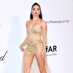 Shanina Shaik en la gala amfAR en el Festival de Cannes 2019