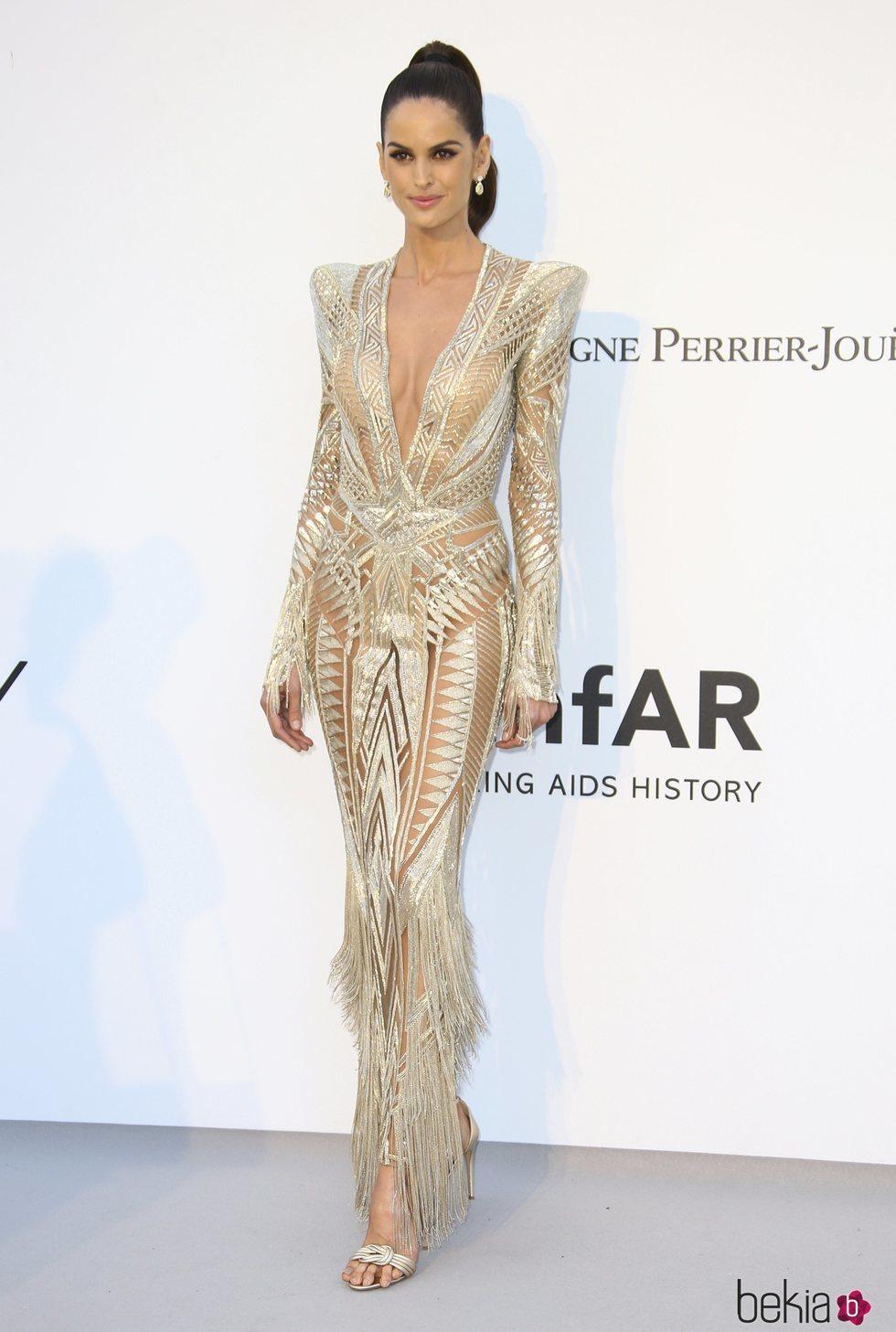 Izabel Goulart en la gala amfAR en el Festival de Cannes 2019