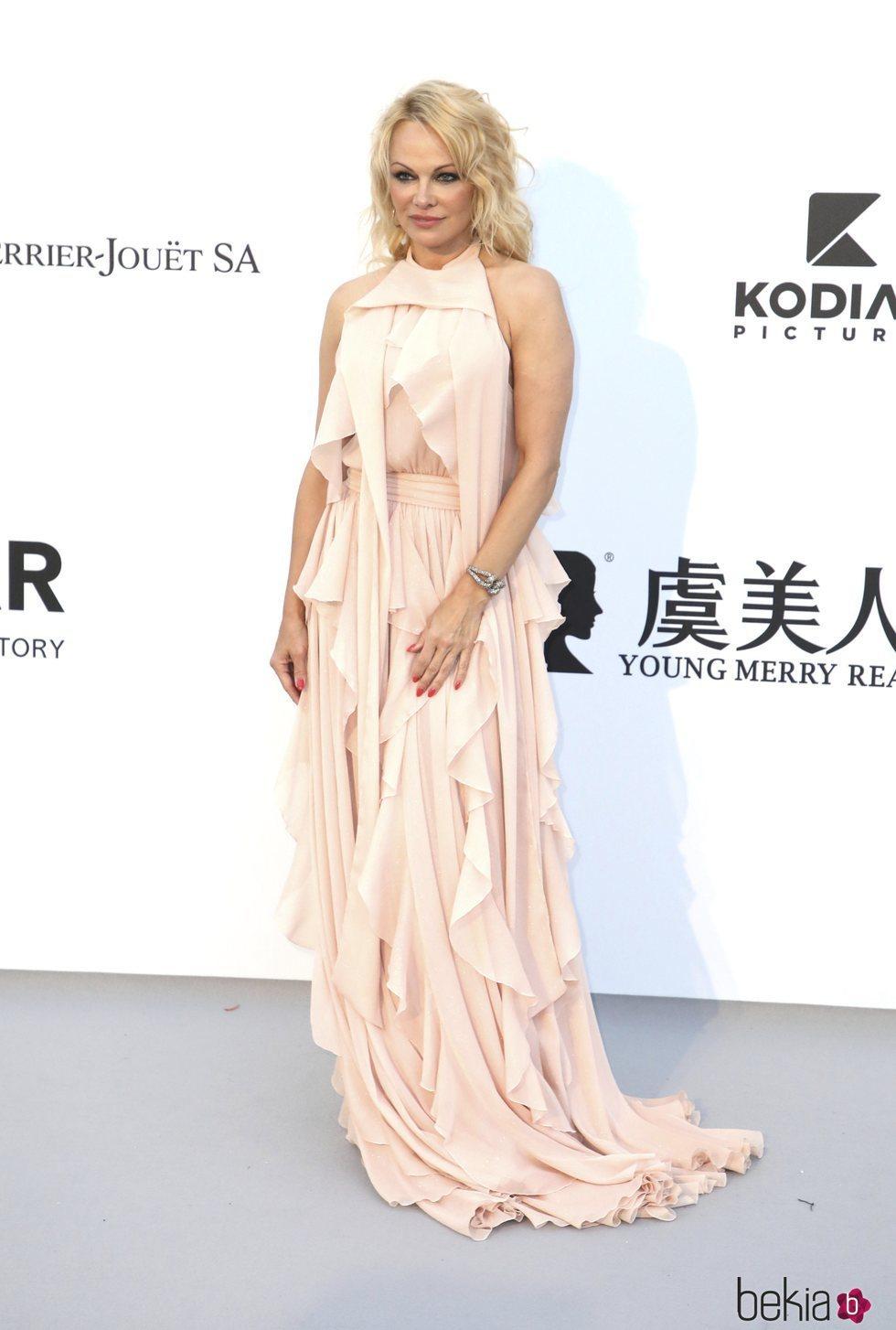 Pamela Anderson en la gala amfAR en el Festival de Cannes 2019