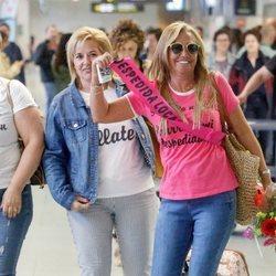 Belén Esteban llegando al aeropuerto de Ibiza en su despedida de soltera
