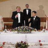 Donald y Melania Trump brindan con el Emperador Naruhito y su mujer Masako en la cena de Estado