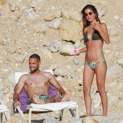 Malena Costa y Mario Suárez, de vacaciones en Ibiza